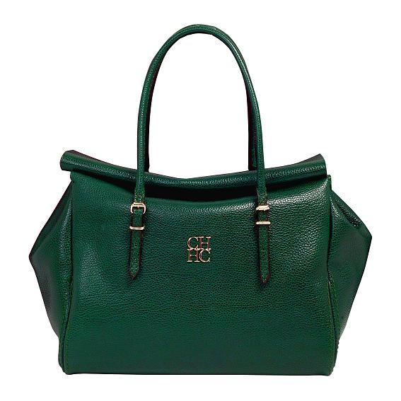Сумки нейтрального зеленого цвета хорошо будут сочетаться с оттенками серого, даже с черным.